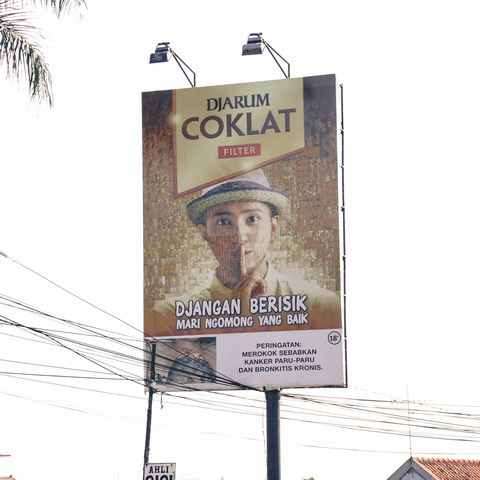 placement billboard arcamanik bandung